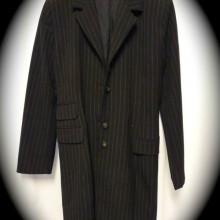 veste noire rayée
