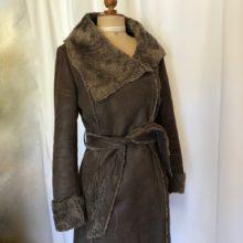 Manteau cuir retourné